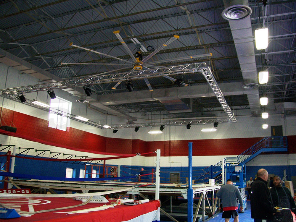 F33 Triangular Truss Square Lighting System