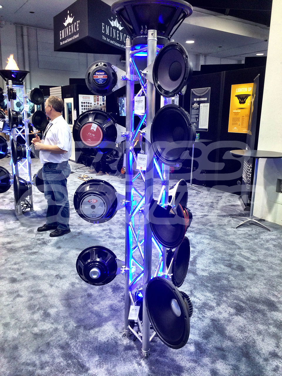 TRUSS-DISPLAY-EMINENCE-NAMM-BOOTH